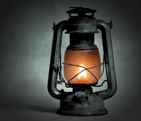 kerosene-lamp-1202277_640